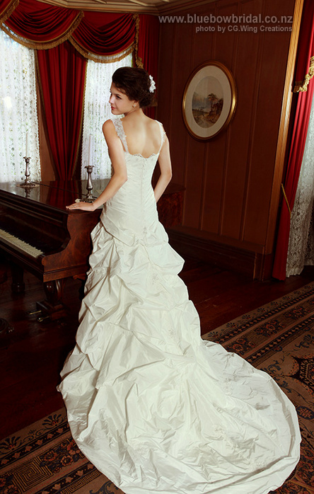album_cgwing_bluebowbridal02_06